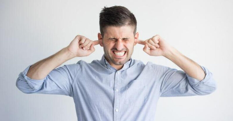 swędzenie uszu